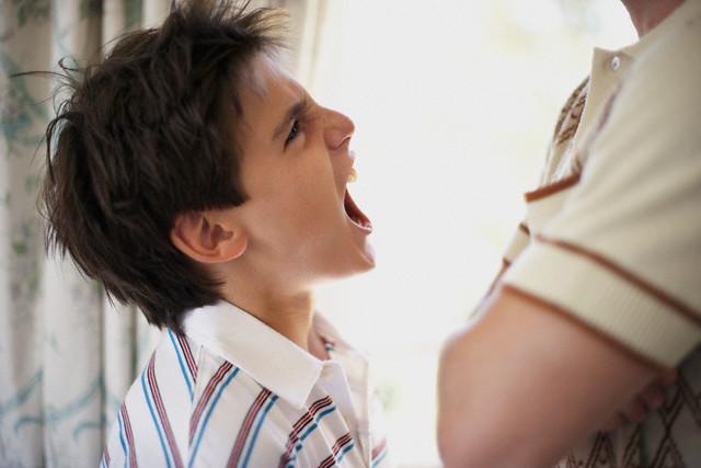 Причины агрессивного поведения подростков